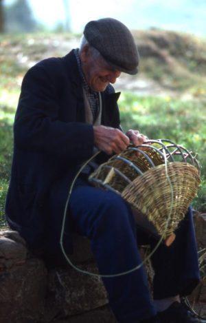 olivo_contadino che fa la bruscola_491x768